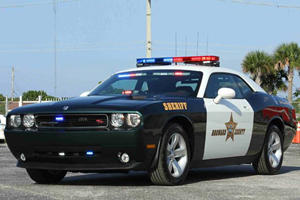 There's A Reason Why You'll Get Screwed Racing This Dodge Challenger