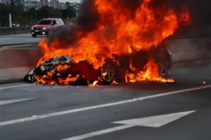 Ferrari 458 Italia Burns in Brazil