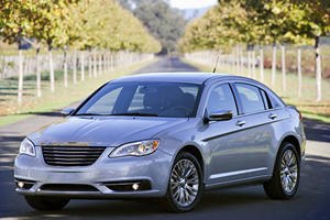 Video: LA 2010: 2011 Chrysler 200