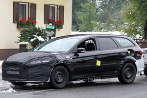 Spied: Ford Mondeo/Fusion Wagon Test Mule