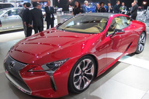 Here's What It's Like To Hit One Of The Detroit Auto Show's Biggest Parties