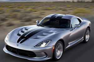 Hooray, The Dodge Viper May Not Be Dying After All