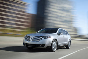 Updated Lincoln 2013 MKT and MKS to Debut at the LA Auto Show