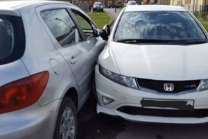 Try Not To Cringe As This Student Driver Smashes Up A Honda Civic Type R