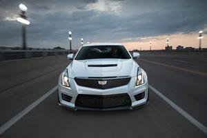 Cadillac Upgrades ATS And CTS With Black Carbon