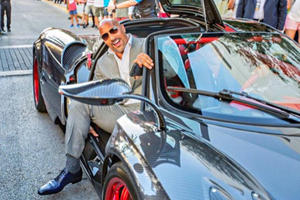 It Turns Out The Rock Has A Really Hard Time Fitting Into The Pagani Huayra