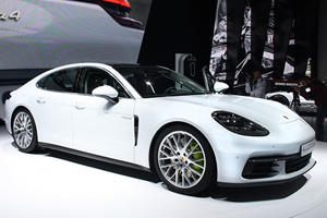 The Porsche Panamera 4E Hybrid Is Stunning Inside And Out