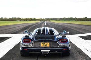 Koenigsegg Just Reminded The World That It Makes Some Stupid Fast Cars