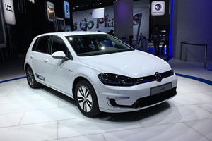 Volkswagen's New e-Golf Debuts In LA With Tech To Match Tesla
