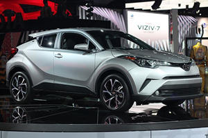 The 2018 Toyota C-HR Is Edgy But May Not Have The Heart To Down The Juke