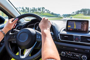 Top 5 Ways That Car Infotainment Systems Have Failed Us