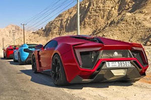 Ferrari 488, McLaren 650S, Lykan Hypersport Drive World's Best Road