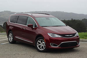2018 Chrysler Pacifica Review: We Learned How Big A Ripoff SUVs Can Be