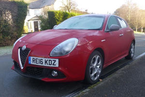 2017 Alfa Romeo Giulietta Review: Hot Red Hatch Warmed Our Hearts In Icy London