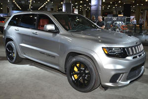 The 707-HP Jeep Grand Cherokee Trackhawk Looks Mighty In The Metal