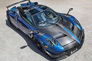 One-Off Pagani Huayra BC Looks Striking In Blue Carbon