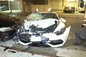 Dummies Wreck Lamborghini Huracan In Hollywood And Flee After Racing A Bentley