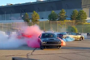 Two Hellcats And A Viper Smoke Up The Atmosphere In Three-Way Tug Of War