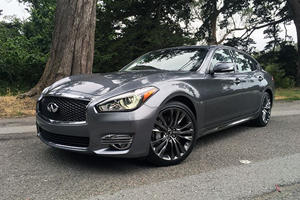 2017 Infiniti Q70L Review: An Ode To Legroom, Power, And Zero Distraction