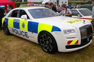 We Would Love To Get Pulled Over By This Rolls-Royce Police Car