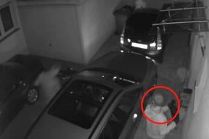 Thieves Drain Chicago Dealerships Of Cars Because Keys Are Left In Cars