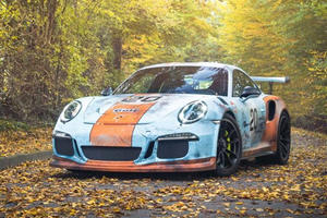 Porsche 911 GT3 RS Made To Look Like Its Been Dying In A Garage