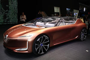The Renault Symbioz Concept Is A Car You Can Literally Live In