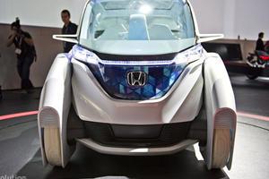 Tokyo 2011: Honda Micro Commuter Car Concept Arrives