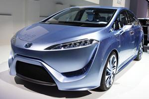 Tokyo 2011: Toyota FCV-R Concept Channels 'Avatar' in Japan