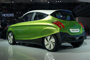 Tokyo 2011: Suzuki Shows Up with the Q City Car and Regina Concepts