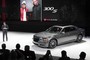 New York 2011: Chrysler 300S