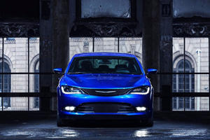 2017 Chrysler 200 Review