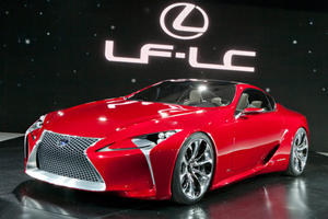 Lexus Officially Unveils the LF-LC Concept at Detroit