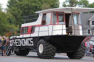 Merging A Houseboat With A Tractor Turned Into A $10,000 Project