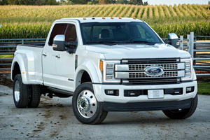 2017 Ford Super Duty F-450 DRW Review