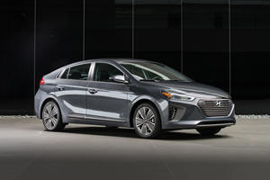 2018 Hyundai Ioniq Hybrid Review
