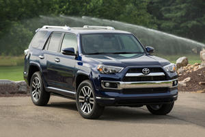 Toyota Sequoia Vs 4Runner >> Compare Nissan Armada Vs Toyota 4runner Vs Toyota Sequoia Carbuzz