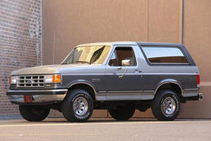 The 1988 Ford Bronco Was All About Off-Road Simplicity, Not Luxury