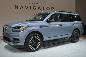 Here's Why Cadillac Fears The New Lincoln Navigator