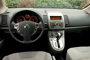 2011 Nissan Sentra First Look