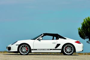 First Look - 2011 Porsche Boxster Spyder