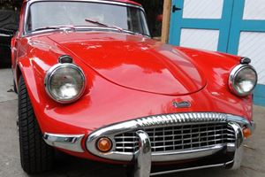 Unearthed: 1963 Daimler SP250