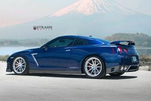 Do These Strasse Wheels Make The GT-R Finally Pop?
