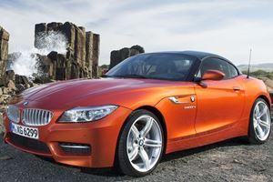 Watch An Impatient BMW Z4 Driver Cause A Multi-Car Crash