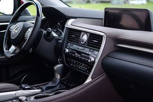 5 Car Infotainment Systems That Desperately Need An Update