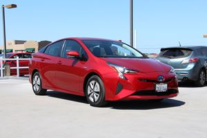2016 Toyota Prius Test Drive Review: We Actually Love This Car