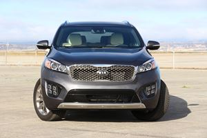 2016 Kia Sorento SXL Review: We Almost Thought It Was A Luxury Car