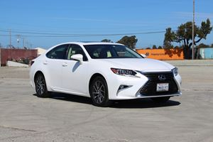2016 Lexus ES 350 Review: The Best Car Ever As Long As You're Not An Enthusiast