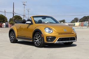 2016 Volkswagen Beetle Dune Convertible Review: 4 Things We Learned About Showing Off
