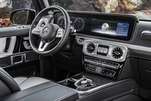 Mercedes-Benz Reveals New G-Class Interior Ahead Of Detroit